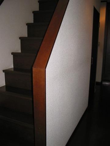 階段横廊下、手摺設置