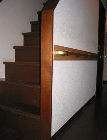 階段横廊下、手摺設置施工後