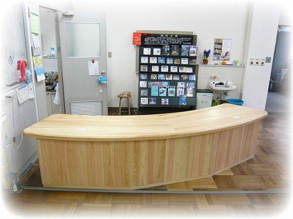 間伐材家具(ヒノキ材) M高校図書館カウンター