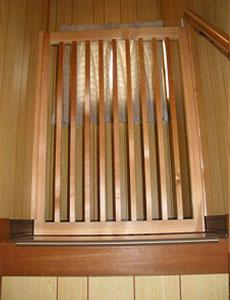 階段の木製の柵